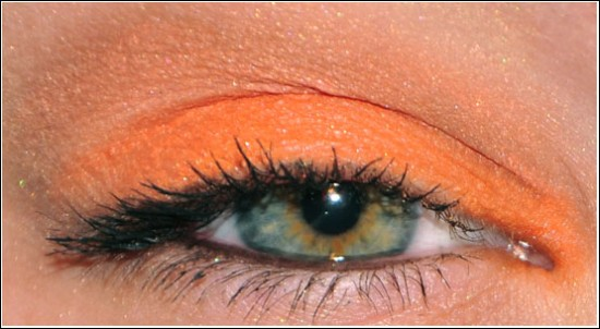 EOTD med MNY My Shadow 321 Orange Makeup Eyeshadow