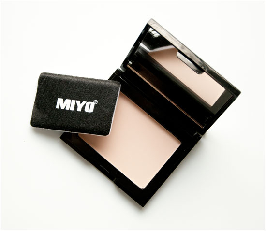 MIYO Doll Face Compact Powder No1 Vanilla