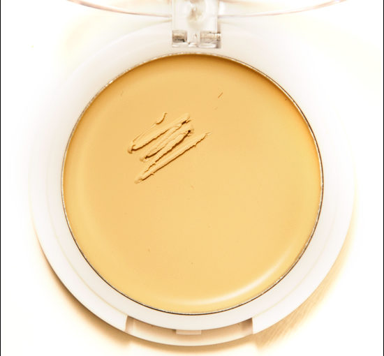 e.l.f. Corrective Yellow Cover Everything Concealer Swatches, Bilder