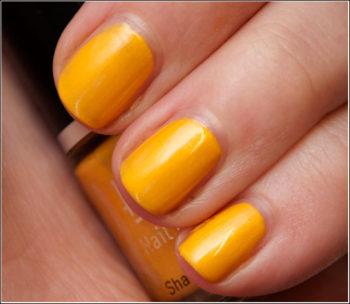 Kubiss 62 Nail Polish (gult nagellack)