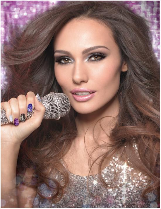 Candice Glitter Nails Eurovision 2013