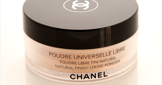Chanel Poudre Universelle Libre (20 Clair) Recension, Swatches, Bilder
