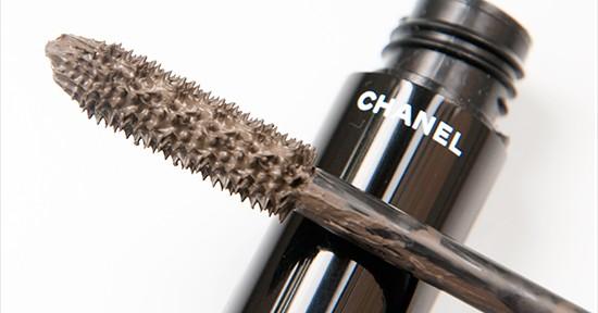Chanel Khaki Bronze (40) Le Volume de Chanel Mascara Recension, Swatches, Bilder