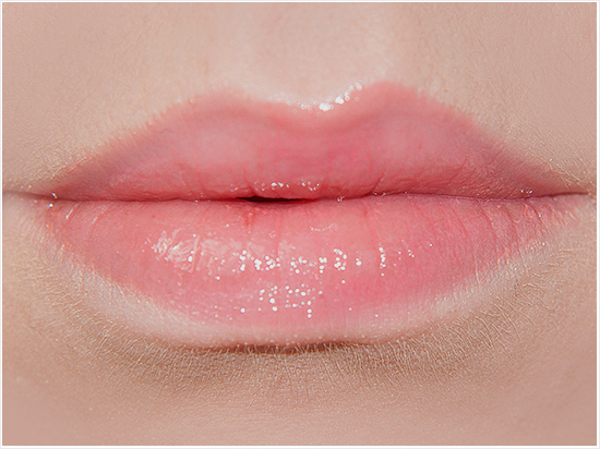 Max-Factor-Enchanting-Coral-Elixir-Gloss-Swatches