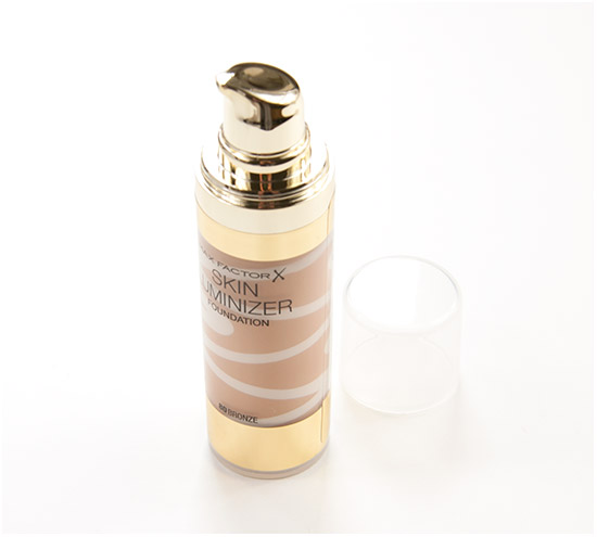 Max-Factor-Skin-Luminizer-Foundation001