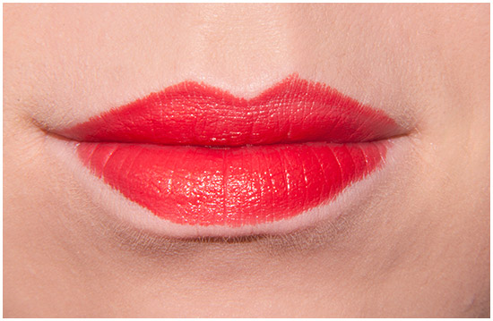 Loreal-Lipstick-Perfect-Red-377-Swatches