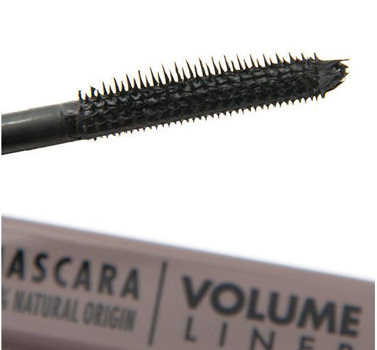 UNE Mascara Volume Liner Recension, Swatches, Bilder
