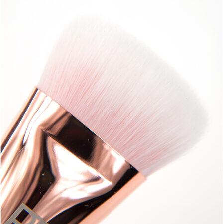 Real Techniques Bold Metals Brush 301 Flat Contour Brush