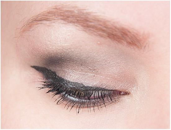 KICKS Baked Eyeshadow Silver Mining Galaxy