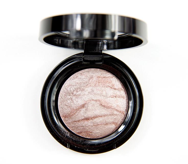KICKS-Silver-Mining-Baked-Eyeshadow002
