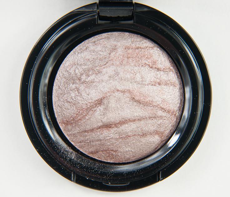 KICKS-Silver-Mining-Baked-Eyeshadow003