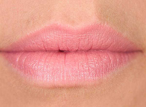 HM Powder Puff Cream Colour Lipstick Lips Swatches