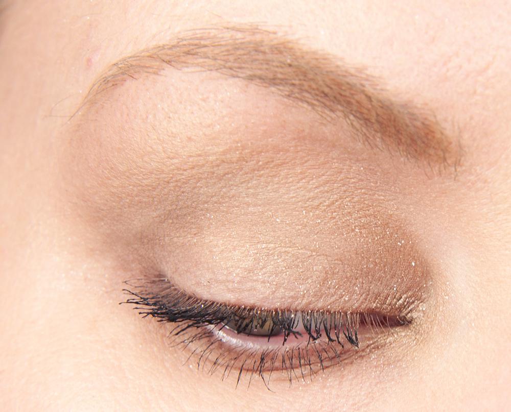 H&M Amazing Greige Eyeshadow Makeup Look