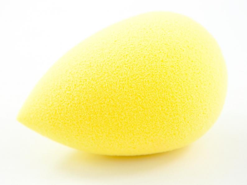 Beautyblender® JOY Yellow Makeup Sponge