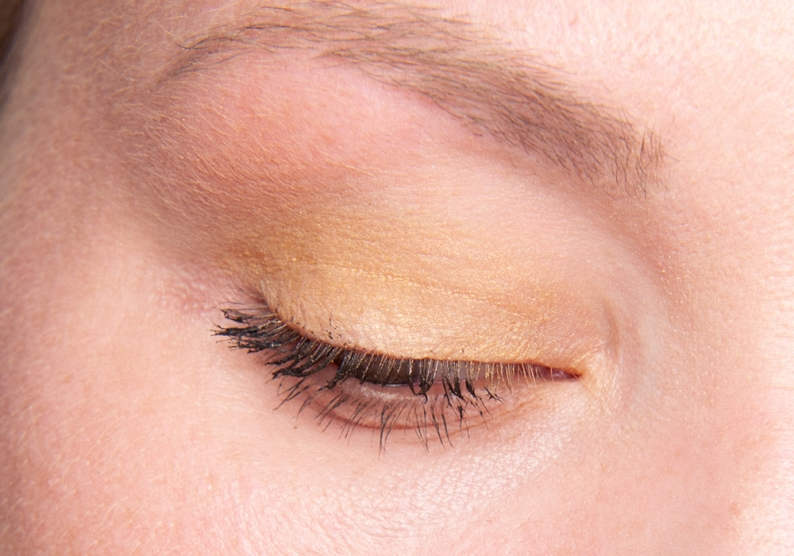 HM Mandarin Gold Eye Colour Eye Look