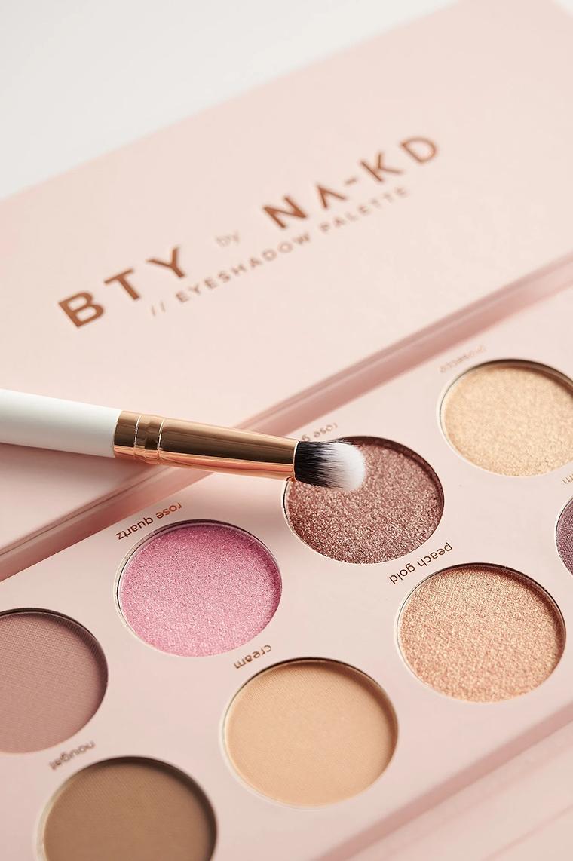 BTY by NA-KD Rose Eyeshadow Palette