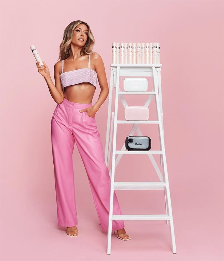 CAIA Cosmetics lanserar That Extra Hour Long Lasting Setting Spray och nya necessärer