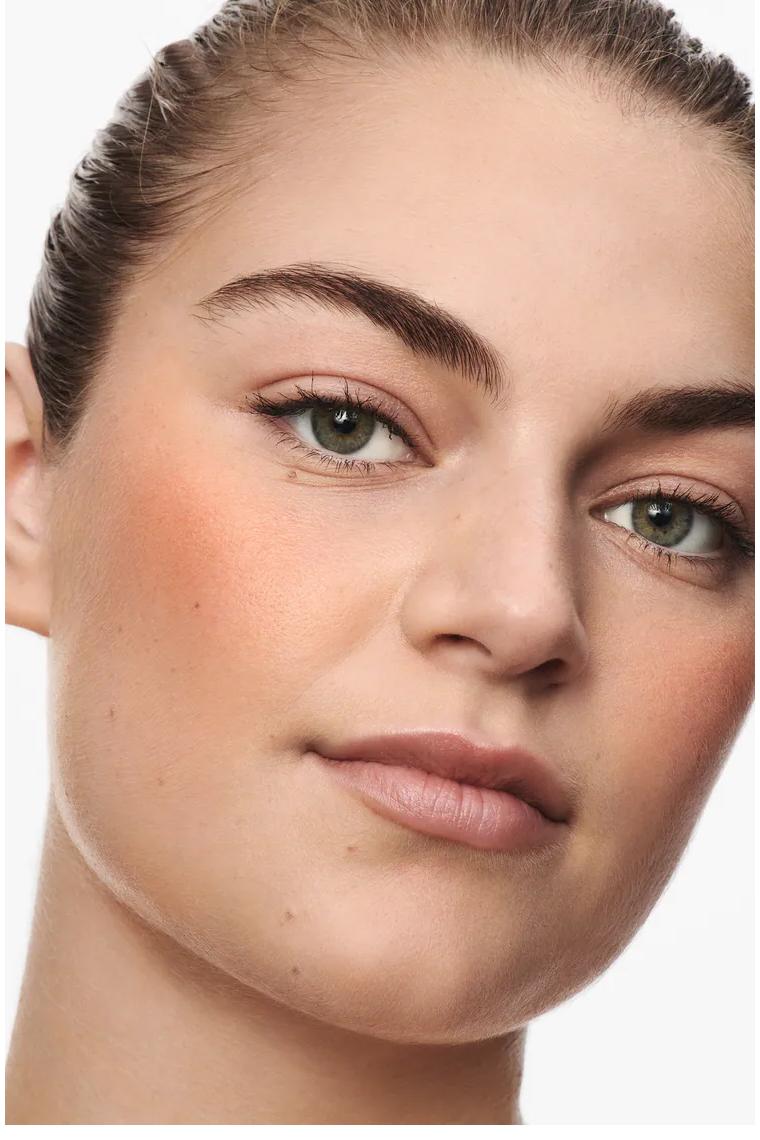 Zara Rouge Model